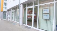 IMMORO_Immobilien_Büro_Wiesbaden_Mainz_Kostheim_Hauptstrasse_131_Laden_Front_Gewerbe_neu_Ansicht_Haus_Makler_Immoro_Alexander-Kurz_Bild-2014-530x300