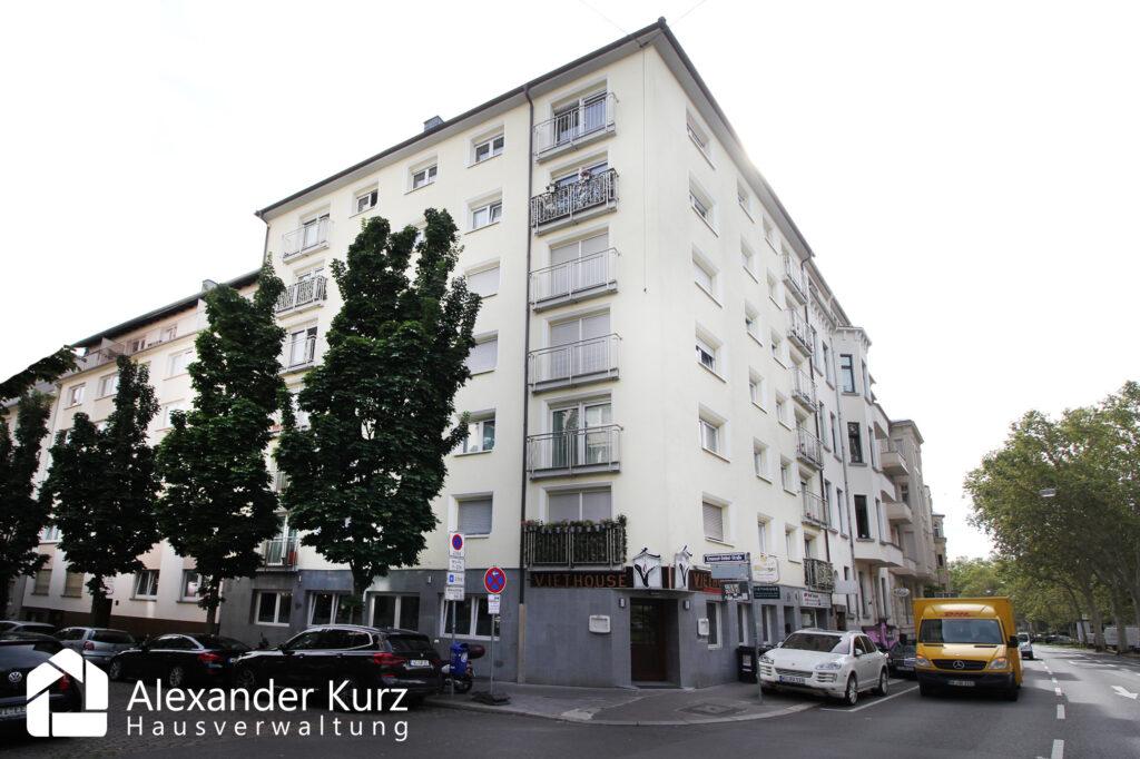 Mietverwaltung: Wohn- & Geschäftshaus am Kaiser Friedrich Ring in Wiesbaden